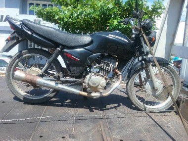 PM recupera motocicleta furtada e prende homem