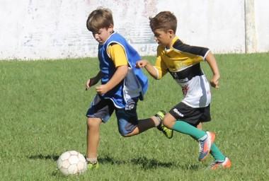 Maracajá: Escolinhas retomam atividade no dia 10