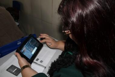 Professores são capacitados para uso de tablet em sala