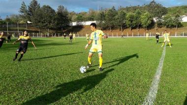 """Rui Barbosa vence metropolitano na abertura das semifinais da taça """"Carvão Mineral"""""""