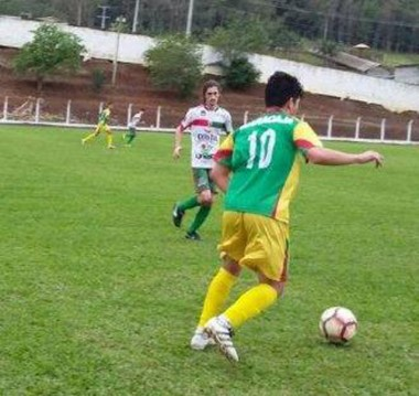 Metropolitano e Cocal do Sul vencem e lideram a Taça Carvão Mineral