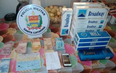 PM prende homem por contrabando em Balneário Arroio do Silva