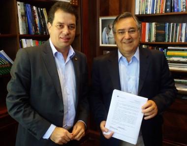 Colombo e Rodrigo Minotto tratam da Jacob Westrup