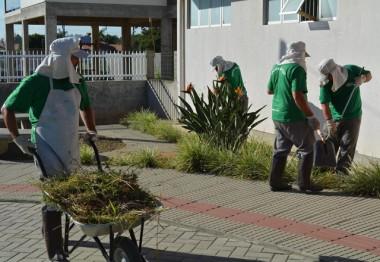 Nova equipe de limpeza começa as atividades em Morro da Fumaça
