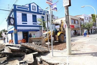 Içara: Iniciada obra de revitalização da Rua Marcos Rovaris