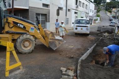 Obras nas vias públicas exigem atenção em Morro da Fumaça