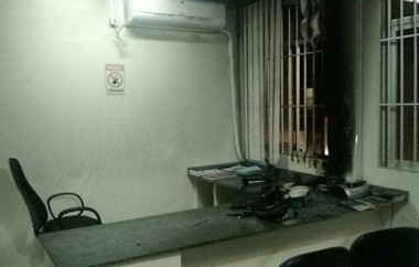 Delegacia e posto guarda-vidas são incendiados em Rincão