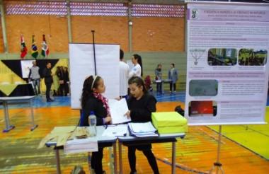 Alunos de Içara vencem feira de matemática