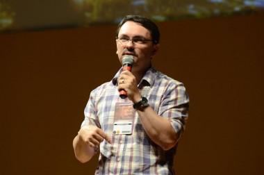Rossandro Klinjey fará palestra às mulheres e pais içarenses