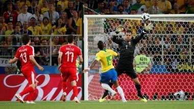 Brasil vence Sérvia por 2 a 0 e vai às oitavas de final