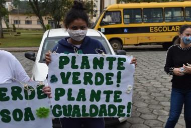 Dia da Árvore e Dia Nacional de Luta da Pessoa com Deficiência mudas são plantadas