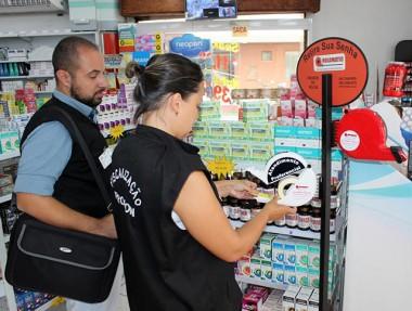 Procon fiscaliza farmácias em Criciúma