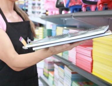 Procon alerta sobre cuidados na hora da compra do material escolar