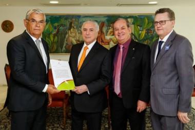 Moreira recebe confirmação de R$ 100 milhões para a Saúde