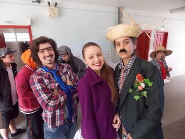 Escolas Salete e Colonetti promovem festas julinas