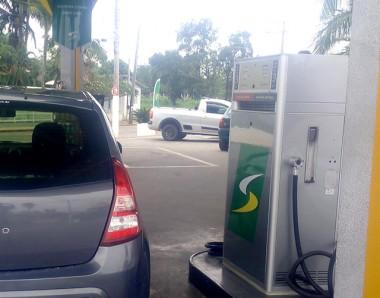Procon: Gasolina tem redução de até R$ 0,32
