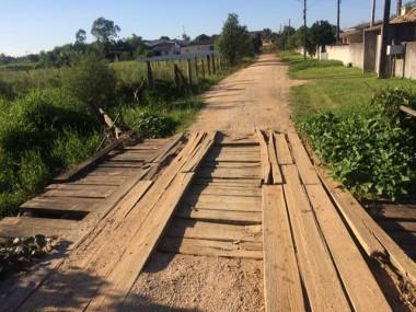 Moradora reclama do descaso do governo de Içara