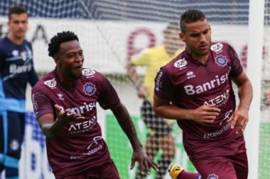Gilmar garante a vitória do Caxias contra o Grêmio