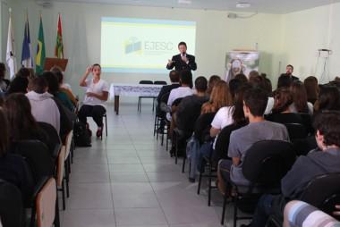 TRE-SC apresenta campanha de incentivo ao voto jovem
