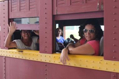 Urussanga recebe trem com grupos de idosos da Afasc