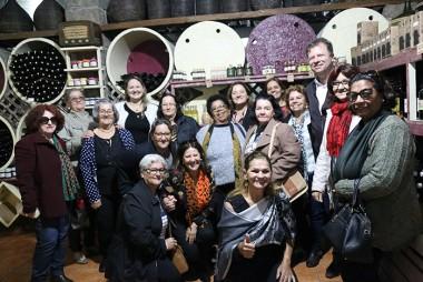 800 mães e idosos são contemplados com Passeio da Integração