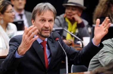 Pedro Uczai comemora fim das coligações partidárias