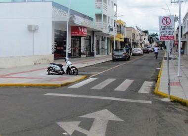Prefeitura de Jacinto Machado realiza pintura nas ruas