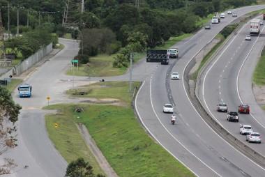 Ponte em via lateral da BR-101, no Rio Capivari, terá passagem para pedestres