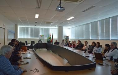 Porto de Imbituba recebe reivindicações do setor cerâmico da região para exportação