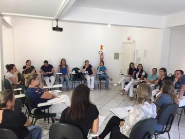Reunião com profissionais visa aprimorar serviços de Saúde