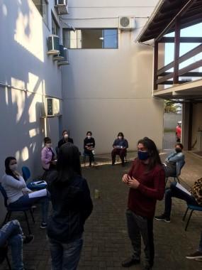 Equipe da Fundação Cultural de Içara recebe orientações sobre o coronavírus