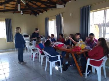 Comunidades recebem conversas sobre Outubro Rosa