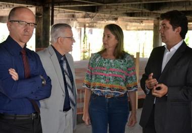 Salvaro pede auxílio para representantes da Caixa