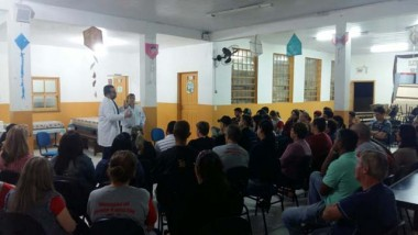 Secretaria de Saúde realiza palestra sobre saúde bucal