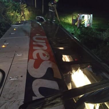 Acidente em Xanxerê com ônibus de RS deixa dois mortos e 20 feridos