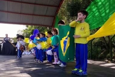 Apresentações de alunos abrem a Semana da Pátria em Içara