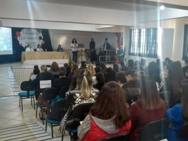 Seminário de Educação reúne mais de 140 participantes