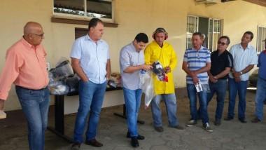 Servidores municipais de Maracajá recebem EPI´s
