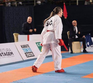 Sabrina Pereira está em Paris para Liga Mundial de Karatê