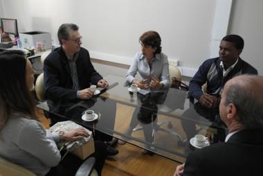 Secretário Acélio apoia HSJ na busca de doações à neurologia oncológica