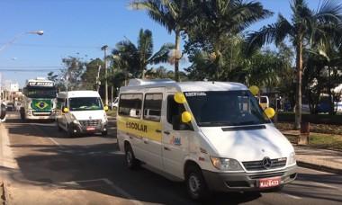 Motoristas e caminhoneiros fazem buzinaço em Içara