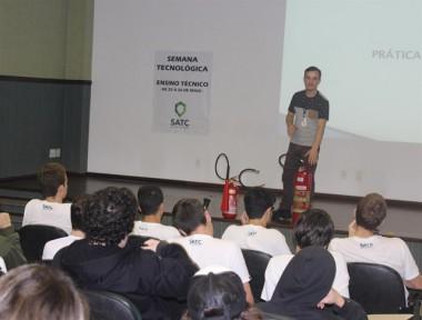 Semana Tecnológica mobiliza estudantes dos cursos técnicos da Satc