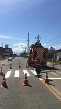 Demutran reforça a sinalização horizontal nas ruas de Forquilhinha