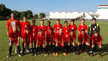 Equipe de futebol Sub-11 da FMCE disputa torneio no Bairro da Juventude