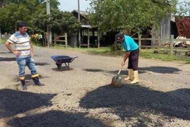 Prefeitura de Jacinto Machado inicia operação tapa buraco