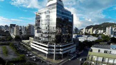 TCE/SC suspende concurso público para cargo de auditor fiscal de controle externo