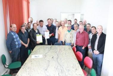 Governo do Estado investe na pavimentação da ICR 357