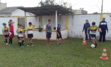 Escolinhas de futebol de Maracajá volta às disputas regionais