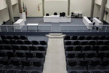 Dupla que simulou latrocínio é condenada por homicídio qualificado em Criciúma
