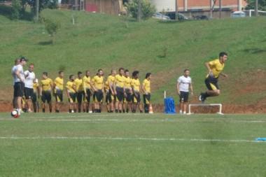 Intenso treino técnico do Tigre no Centro de Treinamento